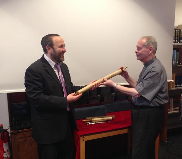 Vier Schriftrollen der Martinus-Bibliothek nach Israel zurückgekehrt